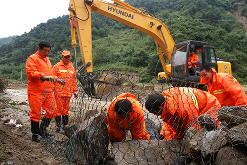 铅丝笼 边坡支护 改善生态