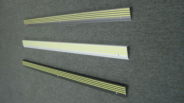 夜光发光铝合金防滑条,夜光楼梯防滑条,夜光铝条发光粉