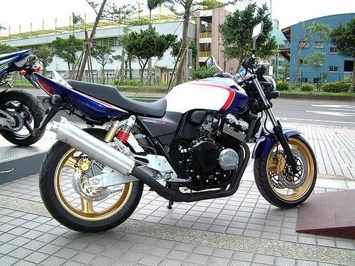供应本田CB400摩托车直销