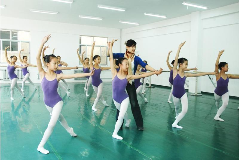 国内首家无划痕舞王舞蹈地胶,解决划痕问题舞蹈地板胶