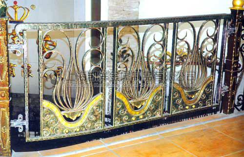 上海别墅镜面铜铜艺栏杆立柱扶手护栏专业定做 金属装饰工程