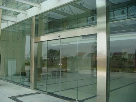 上海安装玻璃门锁/普陀区专业维修安装刷卡门禁锁.闭门器
