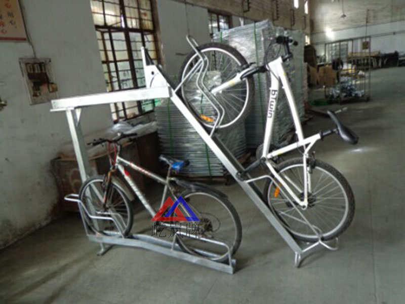 停车库双层自行车锁车架 镀锌管双层自行车锁车架