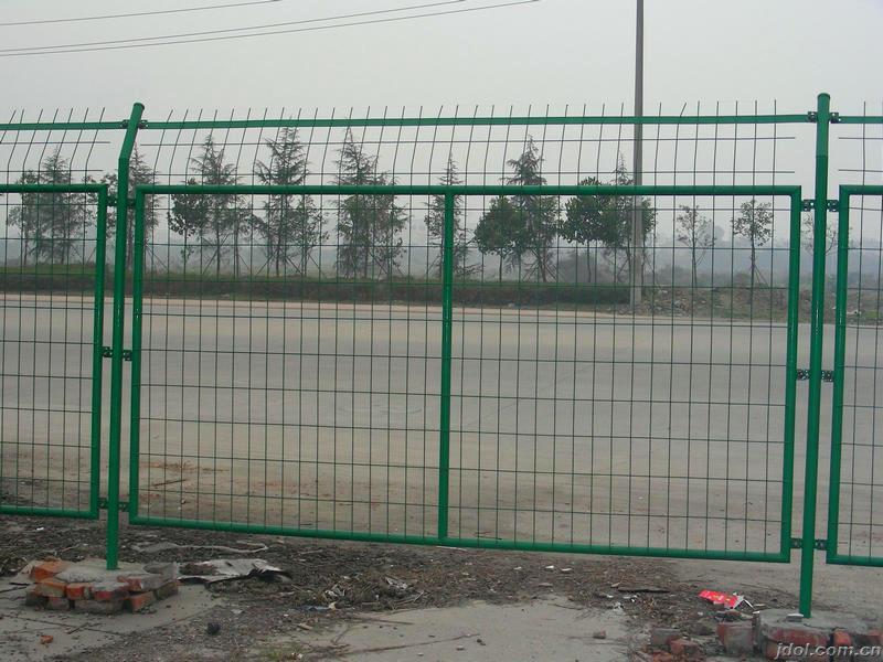 长沙高速公路护栏网 工厂防护栏 车间隔离栅 围墙网 球场围栏围网