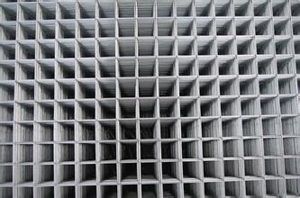 钢丝网护栏 电焊网厂家 养殖护栏网价格 公路护栏 勾花网围栏 铁