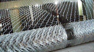 多年生产经验,直供五拧石笼网 三拧镀锌雷诺护垫 铁丝笼