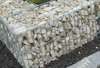 供应--国标【镀锌石笼网 包塑石笼网 格宾网 石笼网箱 雷诺护垫