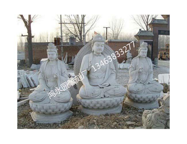 曲阳鸿永园雕刻厂的佛像雕塑在制作前,都要深入研究佛学,设计师对自己