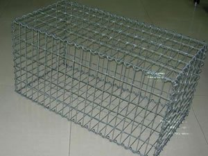 供应安平(奔诚)工厂围网 隔离栅 铅丝石笼网