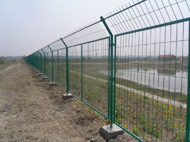 郑州高速公路护栏网@铁路隔离栅@工厂防护栏@车间隔离栅@围墙网