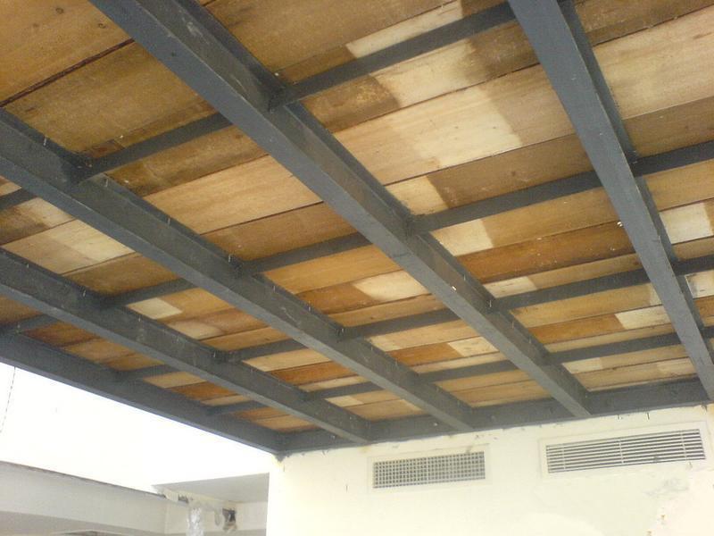 木板,集成材,竹胶板…) 钢混结构:钢梁上或钢梁中铺楼板瓦,压型钢板