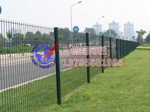创翔公路护栏网,高速公路护栏网,公路防护网