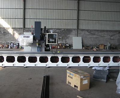 泊头大翔数控有限公司专业生产定做数控龙门钻床
