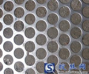 供应2mm板厚圆孔型冲孔网100平米起订