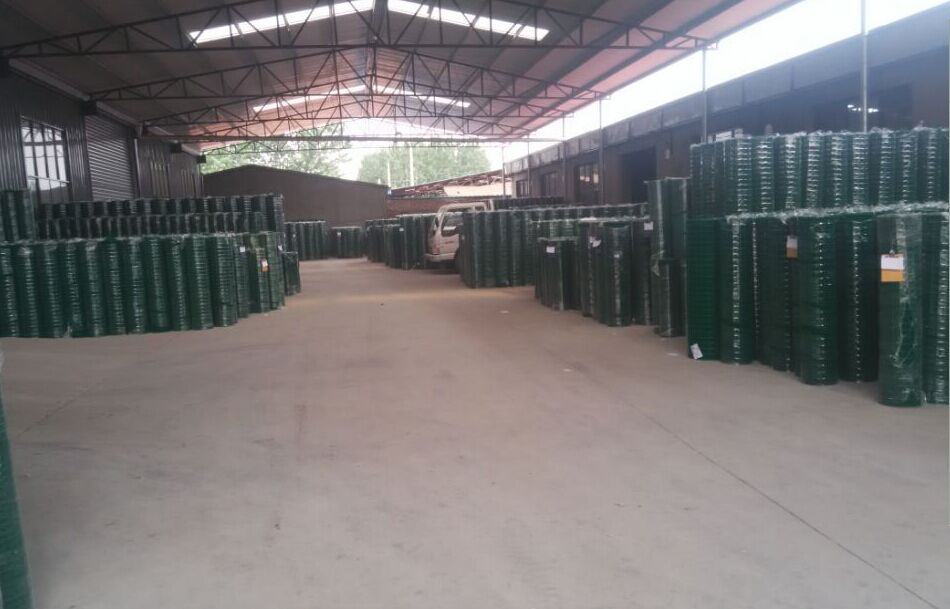 河北省电焊网厂家 镀锌电焊网 浸塑电焊网 围栏用电焊网