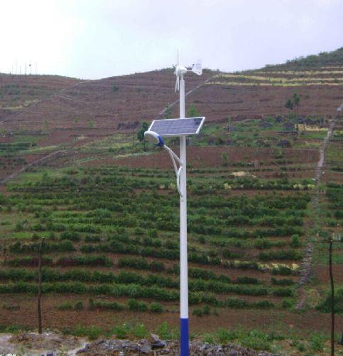 四川会理6米30W风光互补太阳能LED路灯