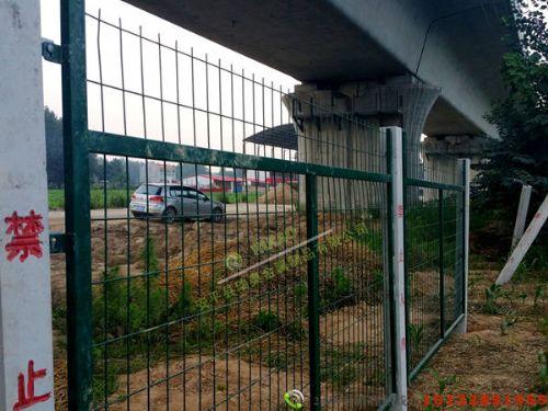 高速铁路桥下防护栅栏价格