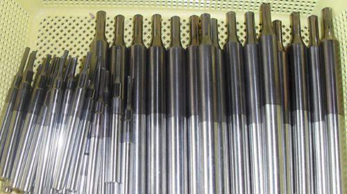 供应深圳顶针镀钛,深圳阀针涂层加工,冲针镀钛镀氮化钛镀钛