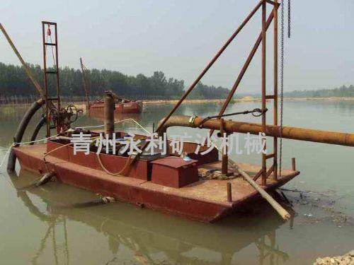 抽沙运输船
