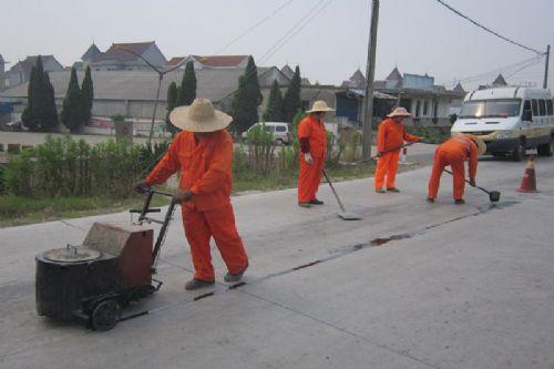 在江苏连云港我们专业只做聚氨酯灌缝胶