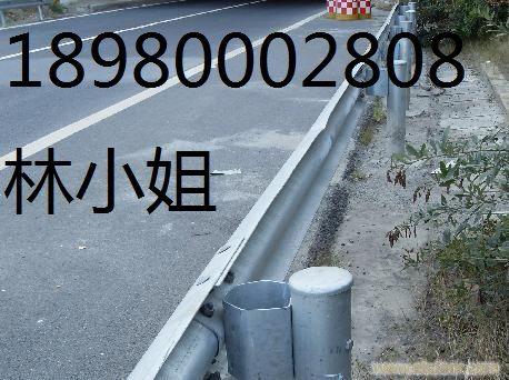 四川内江A级波形护栏B级公路护栏S级三波波纹护栏
