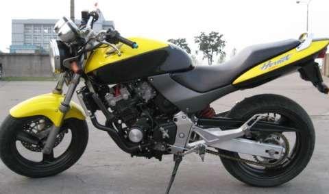 本田小黄蜂250 本田摩托车250跑车