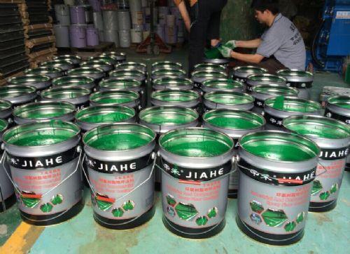 珠海荣盛地板漆厂家,环氧地板滚油漆,环氧装饰性地坪漆