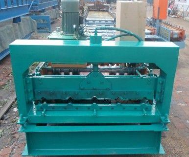 买好的设备到信顺数控机械厂来840彩钢压瓦机械