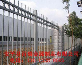 铁艺室外围栏、阳台护栏、铁艺防盗窗、铁艺围墙