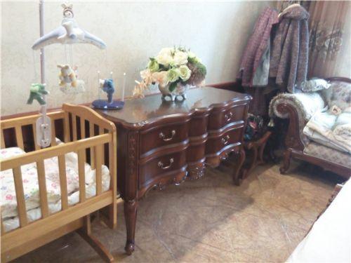 长沙原木家具厂定制物美价廉、原木书柜、餐边柜家具定制厂家