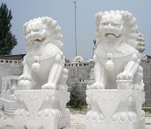 汉白玉石狮子,青石石狮子,晚霞红石狮子