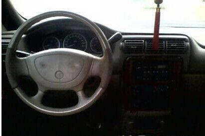 御翔汽车带天窗的车壳,方向盘,仪表台拆车件