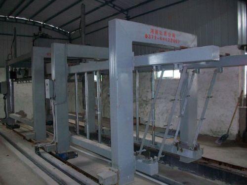 供应粉煤灰加气块设备空翻切割机的性能特点