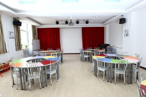 山东团体活动桌椅厂家价格