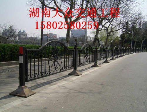 波形梁钢护栏生产厂家