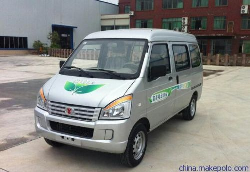 五菱延龙电动面包车 家用电动汽车图片 电动汽车电池价格 电池车