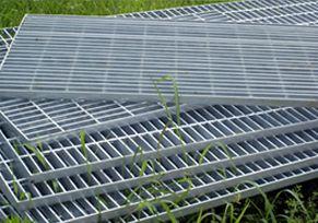 安平丝网厂直供不锈钢钢格板