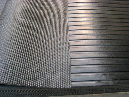 条纹橡胶板,鑫巨翼橡胶板,黑色细条纹防滑橡胶板