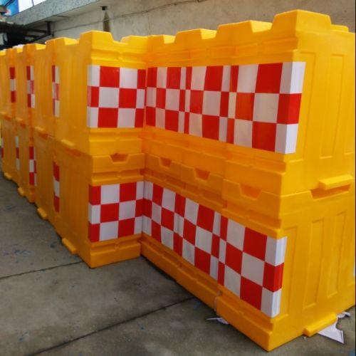 船型防撞桶厂家直销 塑料船型防撞桶价格行情