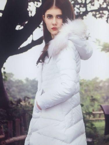 香港一线品牌 欧诺漫羽绒服尾货折扣批发 白鸭绒羽绒服女装折扣