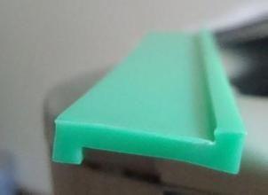 获得专利超高分子量聚乙烯板缓冲床耐磨滑条