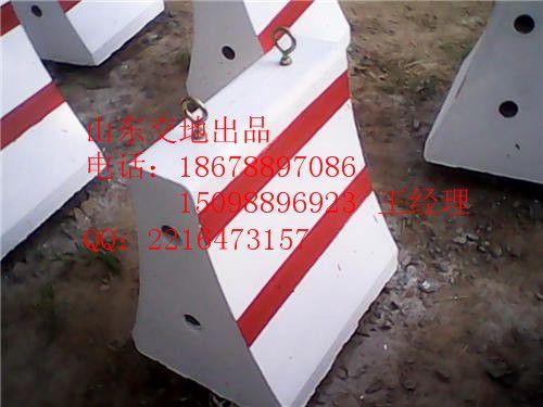 青岛水泥隔离墩尺寸,模具多 15098896923