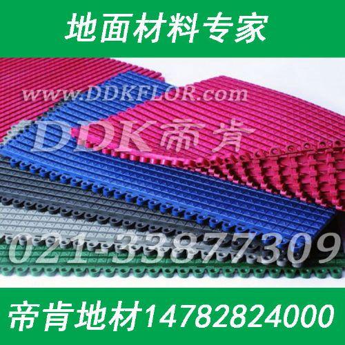 深灰色工厂流水线防护地毯,通道防滑防护地毯,直纹防护地毯