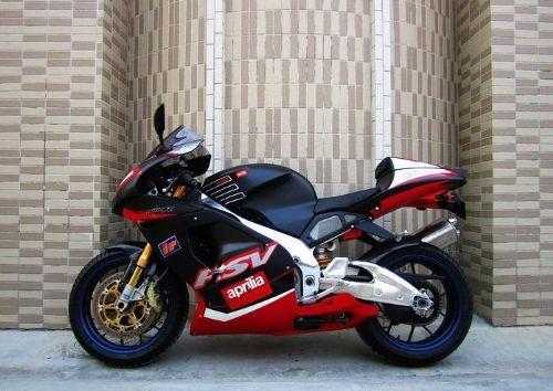 阿普利亚RSV1000摩托车交易市场
