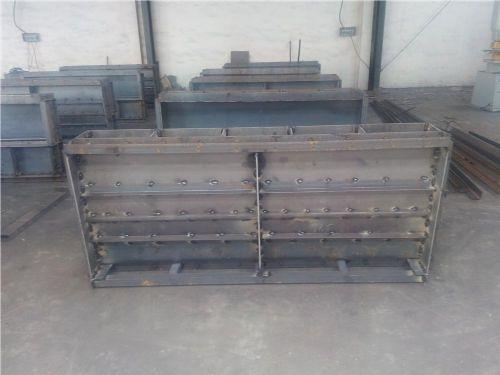 飞龙批发各种高速遮板钢模具    高速遮板钢模具价格