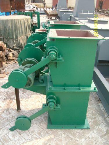 双层重锤卸灰阀结构特点:重锤式锁风翻板阀采用钢板
