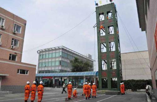河北专业生产通信塔避雷塔楼顶装饰塔广播电视塔消防