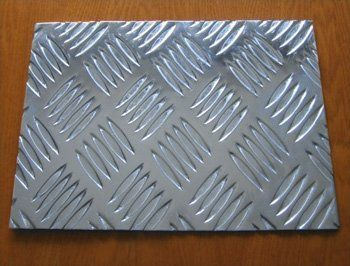 铝合金花纹板价格
