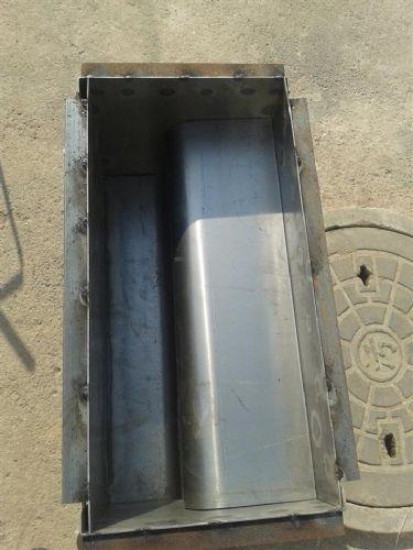 厂家直销高速路牙石钢模具     高品质   低价格