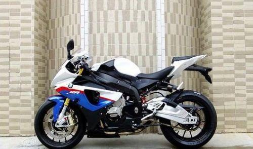 摩托车/四轮电动汽车车质量保证,价格优惠,送货上门,货到付款!